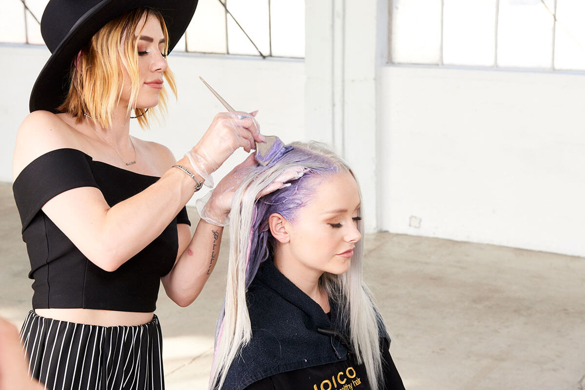 Larisa Love coloring models hair